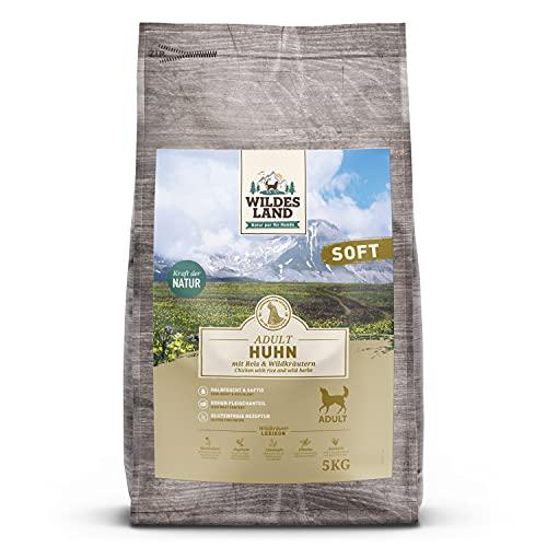 Wildes Land | Halbfeuchtes Trockenfutter für Hunde | Huhn | 5 kg | Soft mit Reis und Wildkräutern | Glutenfrei | Extra viel Fleisch | Für alle Hunderassen | Beste Akzeptanz